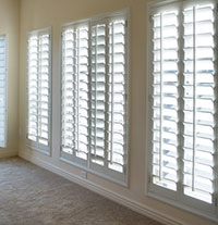 Plantation shutters custom plantation shutters blinds for Custom vinyl windows online
